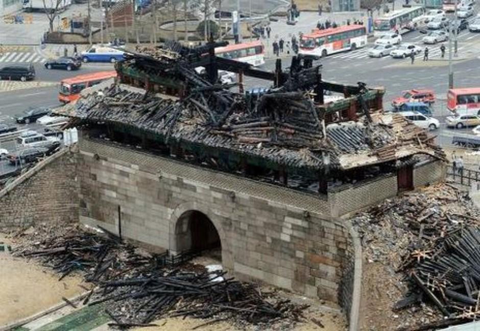 聖母院燒毀還不是最慘?世界8大建築毀了 「它」燒到剩一個廳門
