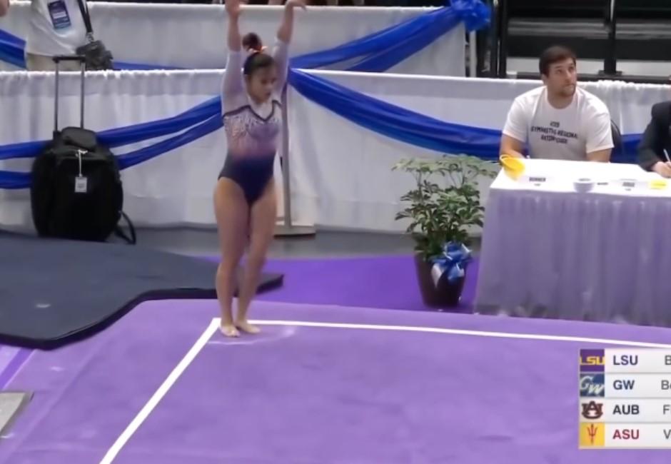 影/慎入!女體操選手落地失誤 「啪」雙腳瞬間折斷