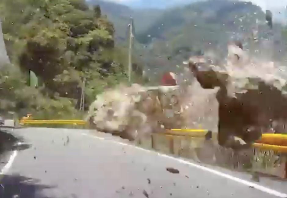 418地震驚悚片曝光!開車遇大落石砸下 差0.1秒「見媽祖」