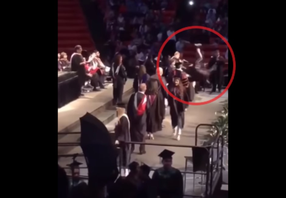 影/領畢業證書就要帥?一個後空翻差點「從人生畢業」