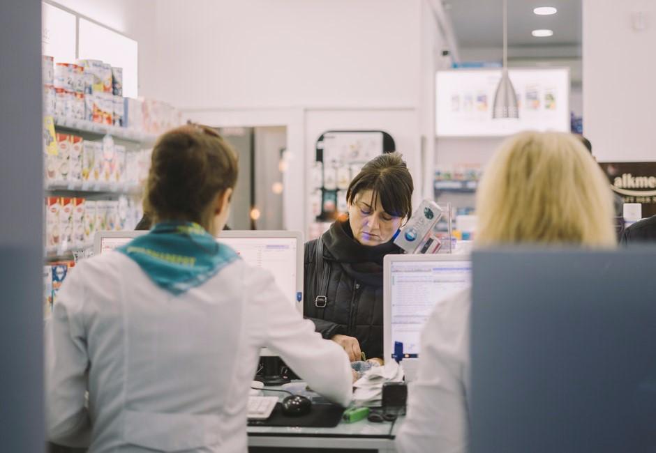 藥師爽賺50k他超羨慕:「沒填這科系很後悔」網列三點打臉!