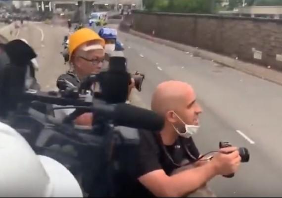 法國記者捍衛香港:HONG KONG NOT CHINA!