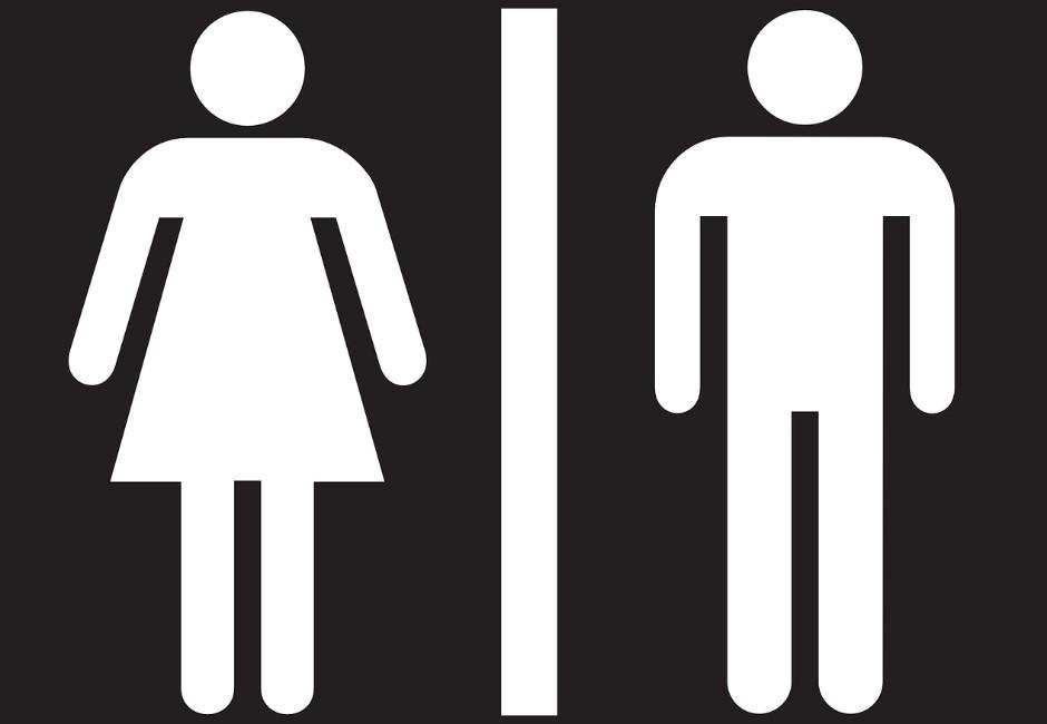 上女廁驚聞「爸爸聲」!網友激烈論戰 事件背後有更嚴重問題