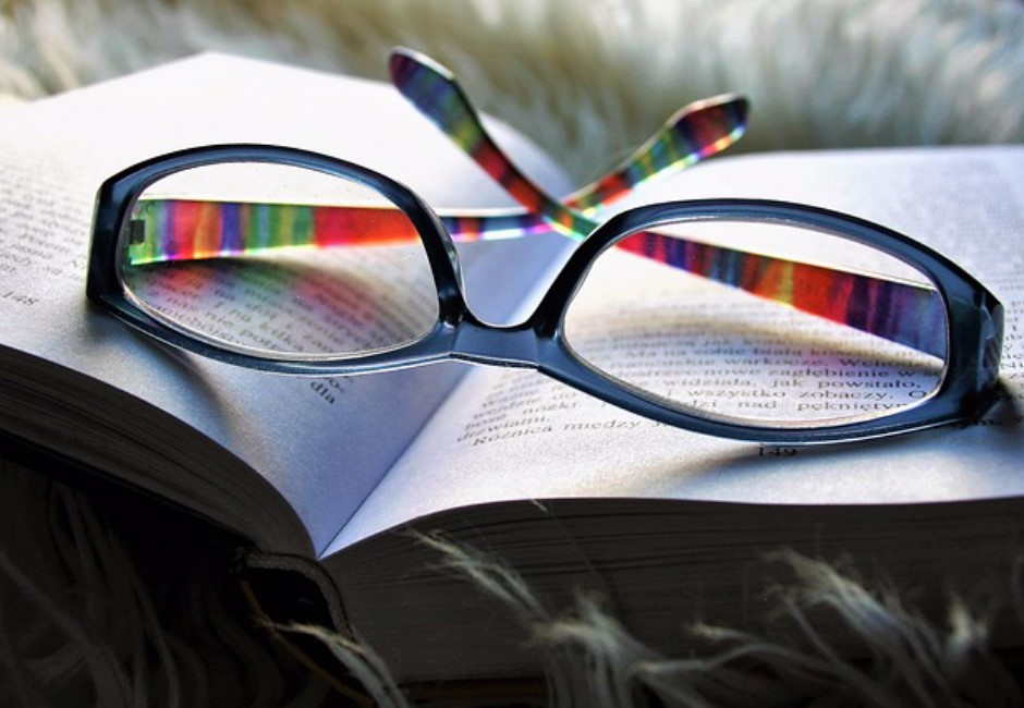 眼鏡布不是拿來清潔用的...他多年來認知被老闆「一句話」推翻