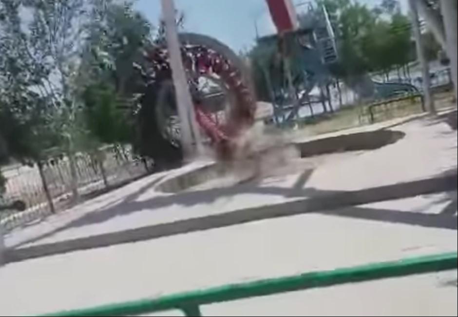 影/遊樂設施高空「腰斬」多人被甩飛!她錄下驚悚瞬間被嚇傻