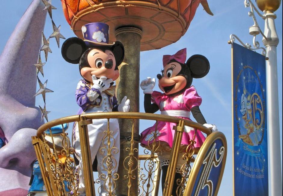 迪士尼遭爆壓榨員工!翻垃圾桶果腹…創辦人孫女氣炸