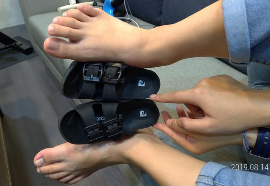 沒載過小孩卻在車內撿到童鞋...真相讓網友笑瘋:長知識!