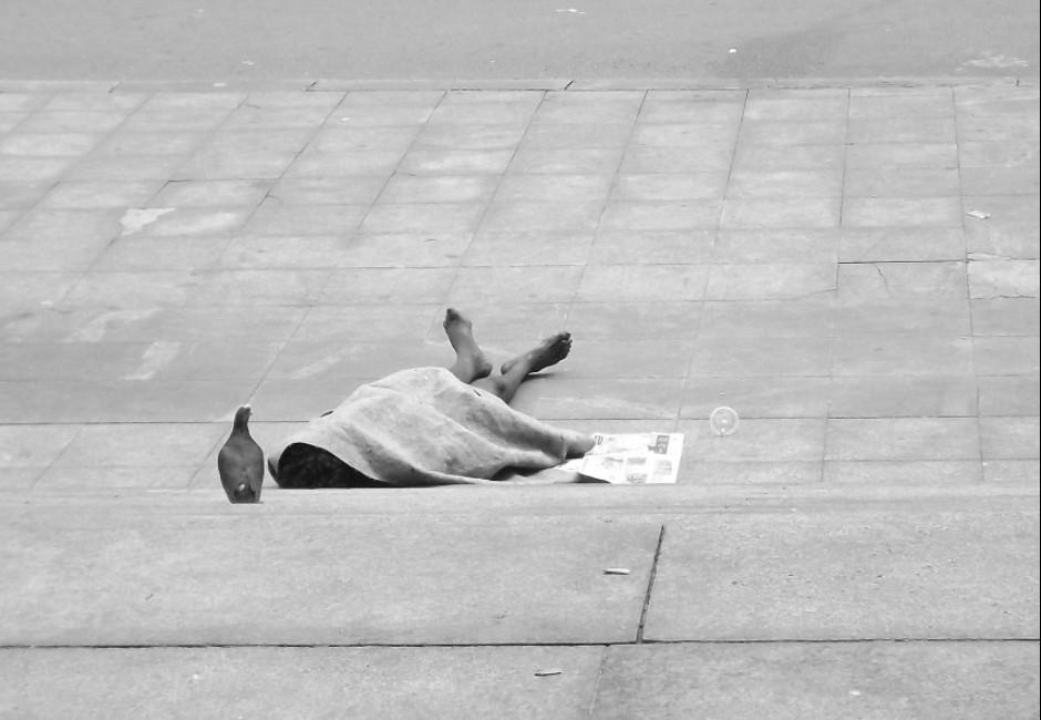 龍山寺街友病死「包中藏400萬元」…「街友皇帝」揭驚人身世