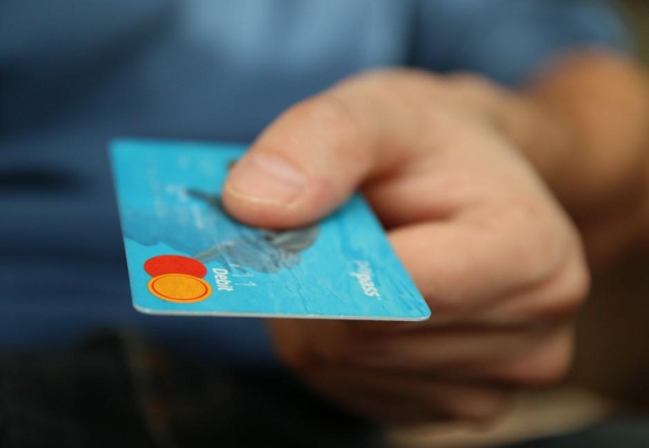 他撿到提款卡…竟用一招破解「6位數密碼」狂領46萬元