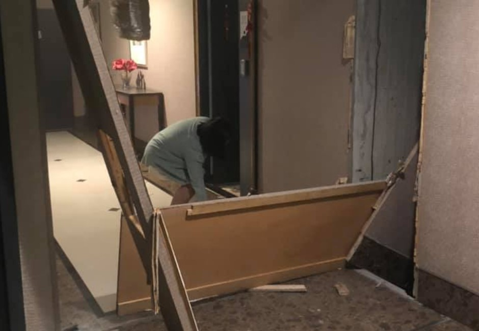 天花板掉整片、牆壁「瓦解」…網友拍下震後驚悚慘狀:不敢睡了