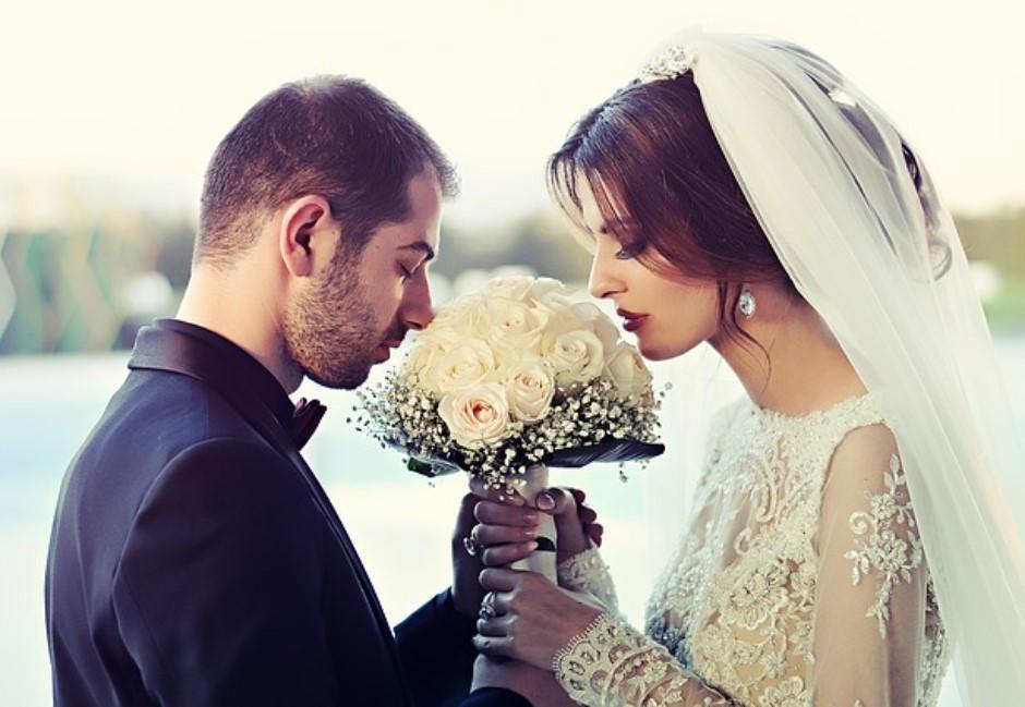 老婆問「婚後什麼最遺憾」?老公崩潰求救…高能回覆讓網友全跪了
