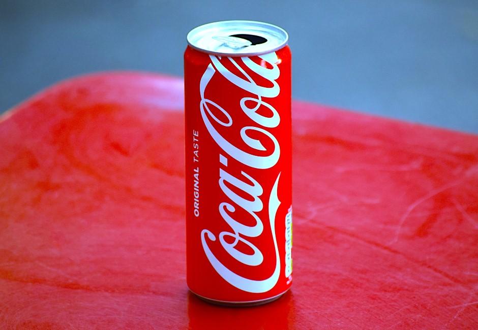 為什麼可樂不用方瓶裝?專家打臉網路謠言:技術人員會氣死!