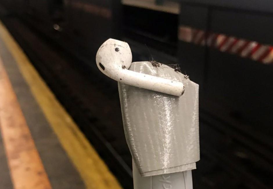 比奶嘴、假牙恐怖!地鐵員警告乘客別再戴AirPods