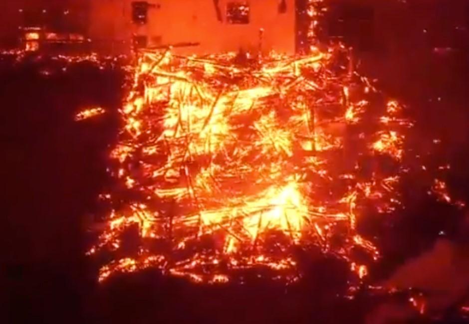 世界遺產燒毀!沖繩「首里城」半夜遇惡火 正殿燒到只剩骨架…