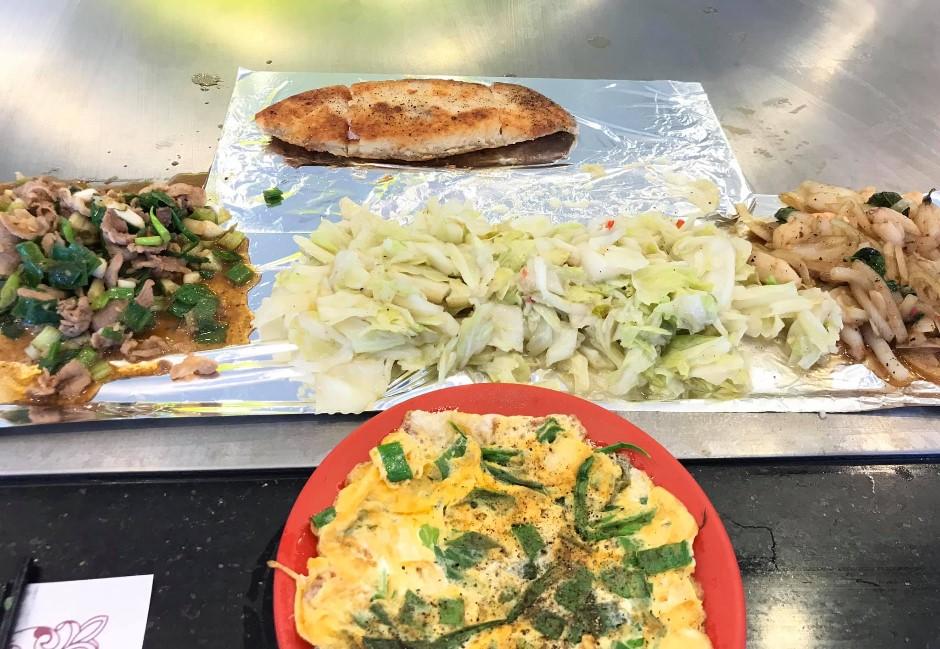 鐵板燒萬年配菜「豆芽+高麗菜」 內行曝除了便宜以外的商業秘密