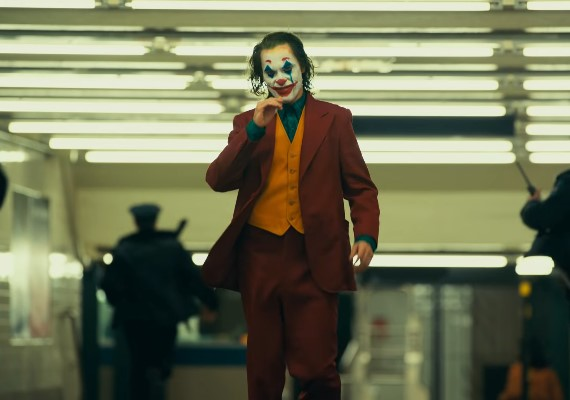 每個Joker都係癲! 華堅馮力士暴減52磅兼練病態笑聲