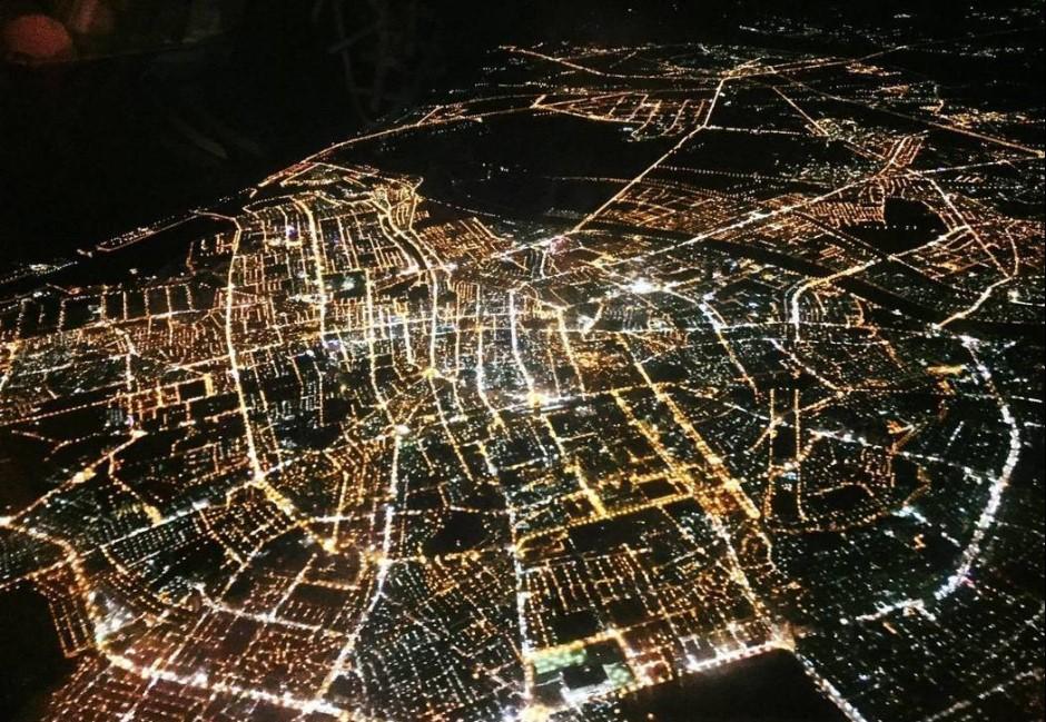 台灣絕美空拍夜景在哪? 網友分析3大特徵揪出真相