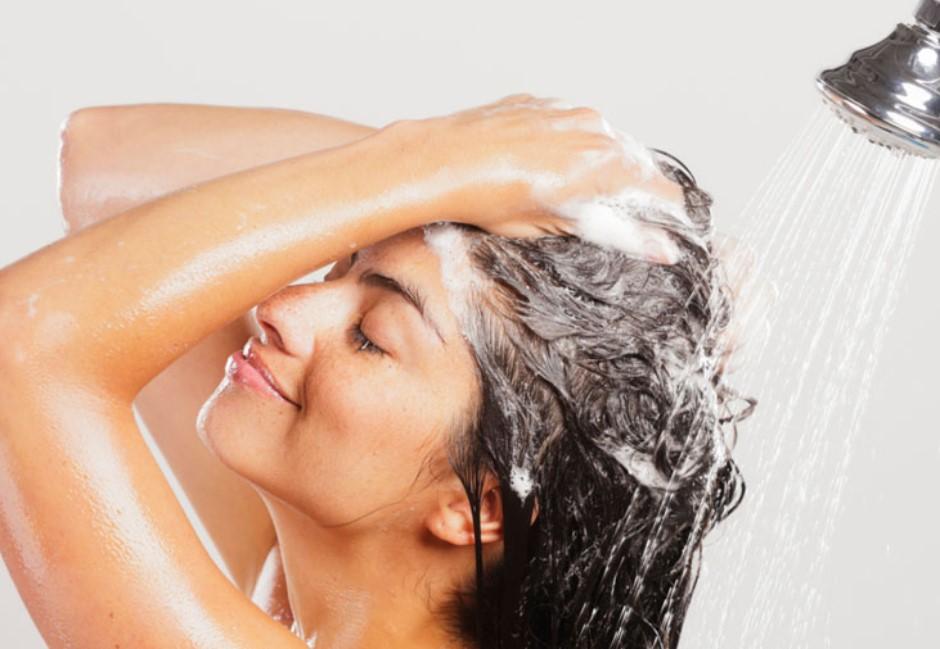 頭髮為何總是「越洗越油」?食藥署給答案:做錯這幾件事
