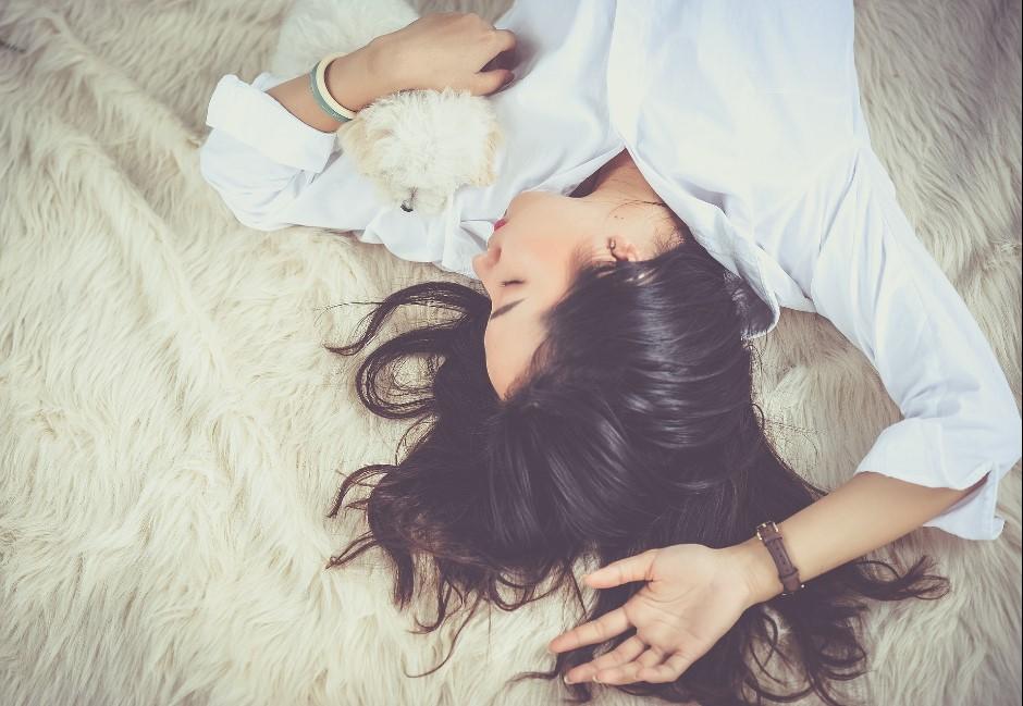 幾點睡看穿一個人!早睡派、夜貓族8大「DNA內建特質」