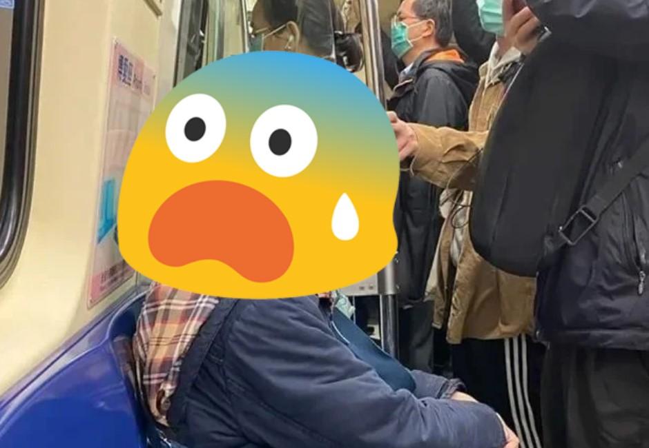 買不到口罩!捷運神人自製超狂「口罩」 網跪:防疫還能防身