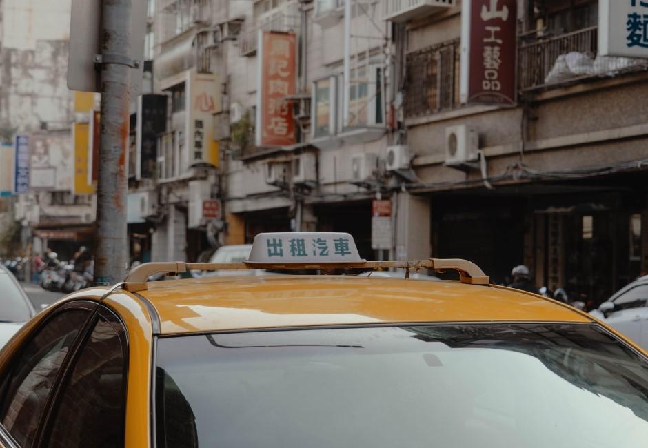 捷運人太多?網提計程車更安全 秒被「最大隱憂」打臉
