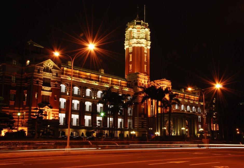 香港民調:港人最愛台灣人、台灣政府;最反感中國人、香港政府