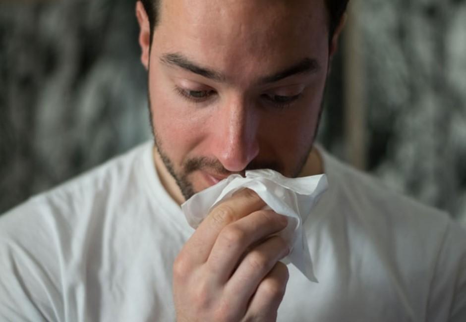 武漢肺炎和感冒差別在哪?醫曝:流鼻水、咳嗽有無痰是重點!