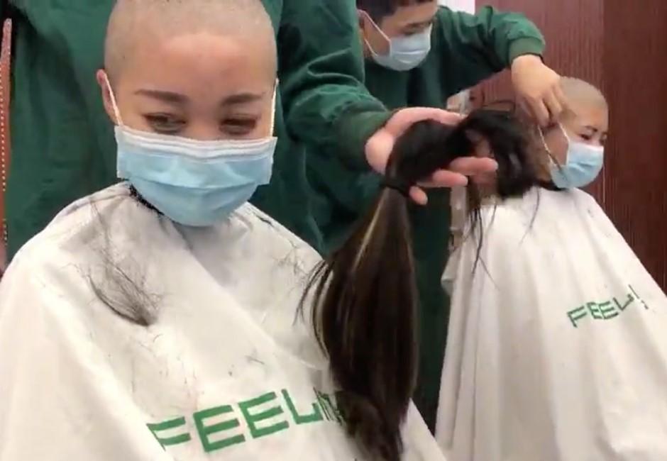 影/抗疫影片從感動到噁心!陸女醫護被迫剃光頭爆哭
