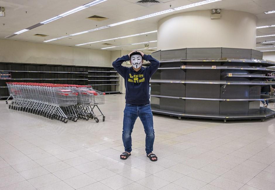 大數據看香港3男持刀搶劫衛生紙真相!網友:好笑但心酸