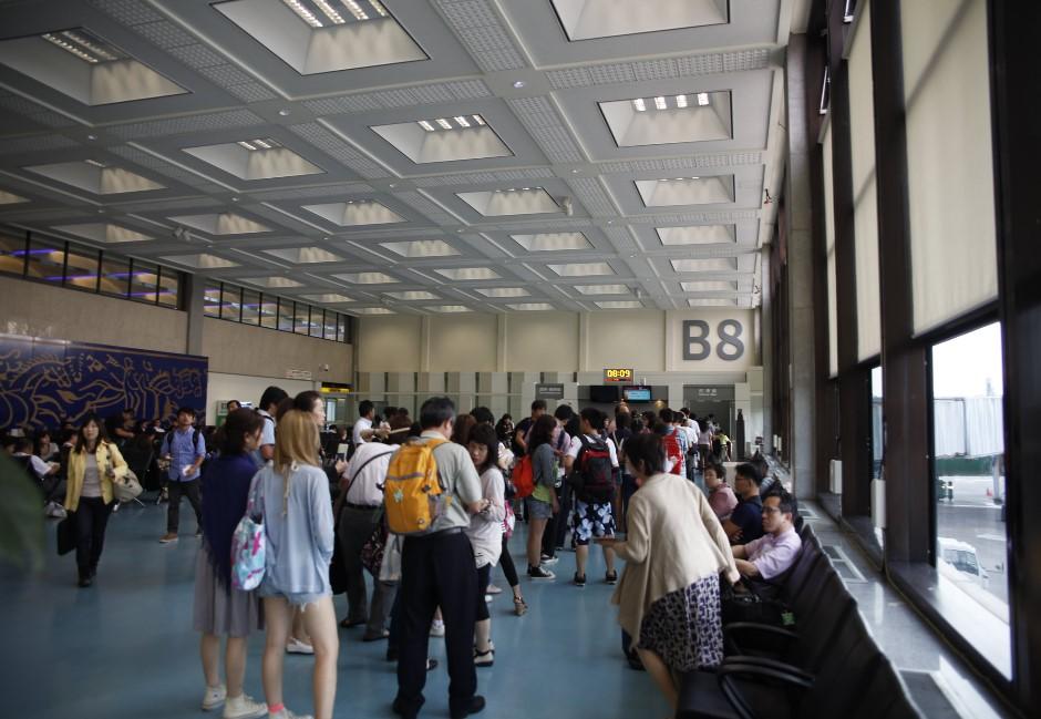 又有1死!台灣增27例確診 艱困防疫死守…全球旅遊攀升「第三級警告」
