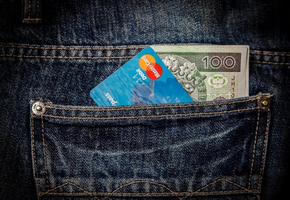 改善亂花錢毛病不用剁手!心理學家:在錢包中「放1張千元大鈔」