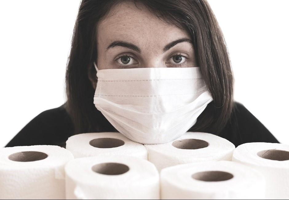 用衛生紙做口罩是真的!中國查獲黑心口罩廠 剪開內層「透明的」