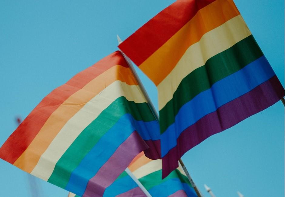 「庸俗地海枯石爛,世俗憑什麼為難?」5首唱進心底的彩虹歌單