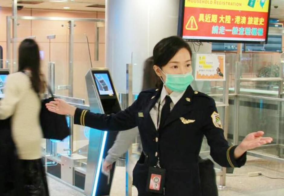 防疫措施升級爆論戰 入境普篩聲量超越強制戴口罩