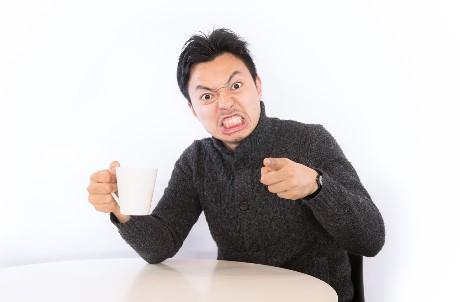 壽司店驚見母子「茶杯接尿」!5種讓人超傻眼的「餐廳奧客行為」