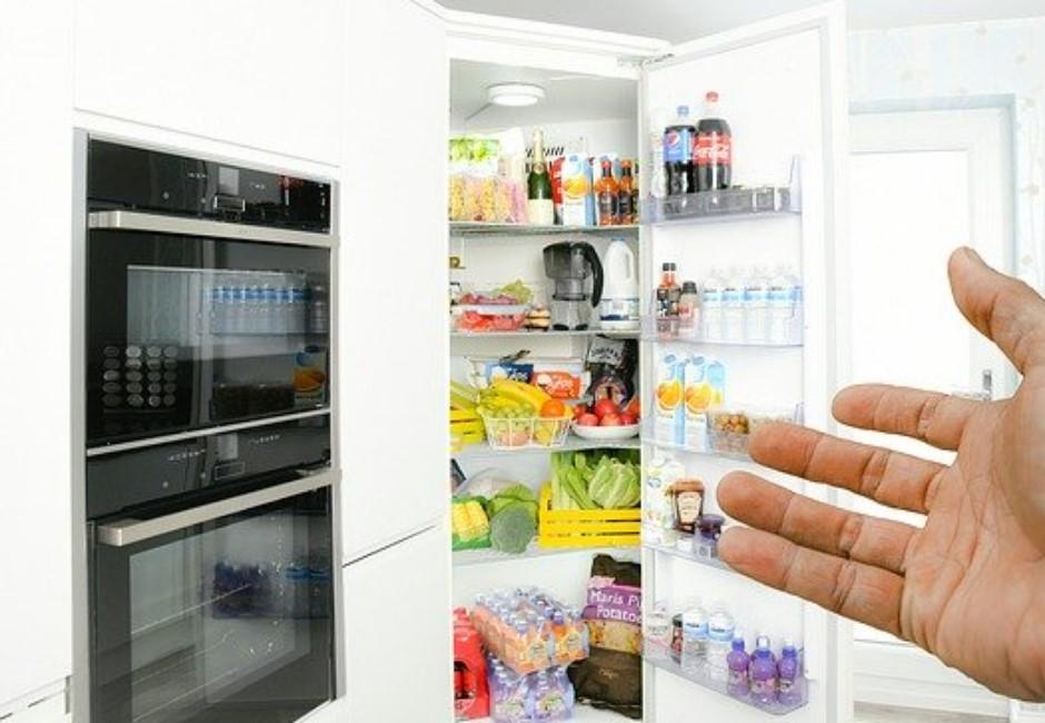 冰箱「神秘分隔」能幹嘛?冰箱門為何有磁力?3大設計藏實用巧思