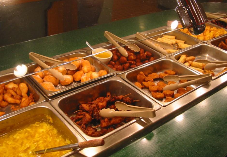 自助餐目測計價怎麼選菜? 網破解「4大高CP值攻略」