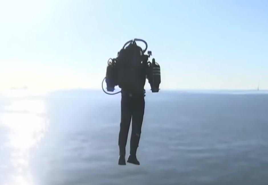 送你上天!「噴射背包客」空飛嚇傻華航組員 超神新科技天價曝光