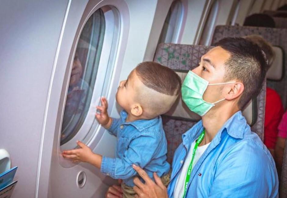 坐飛機送佛牌!全球4大特色航班 泰國「誦經航班」超吸睛