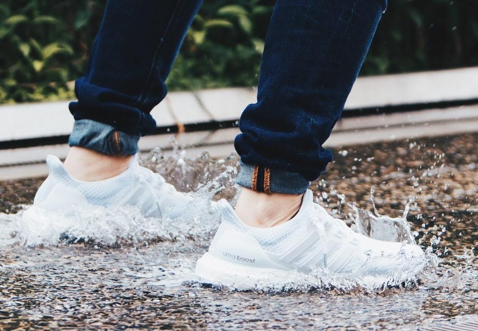 雨天鞋臭、腳臭超惱人!皮膚科醫生推薦「關鍵5招」解決腳臭