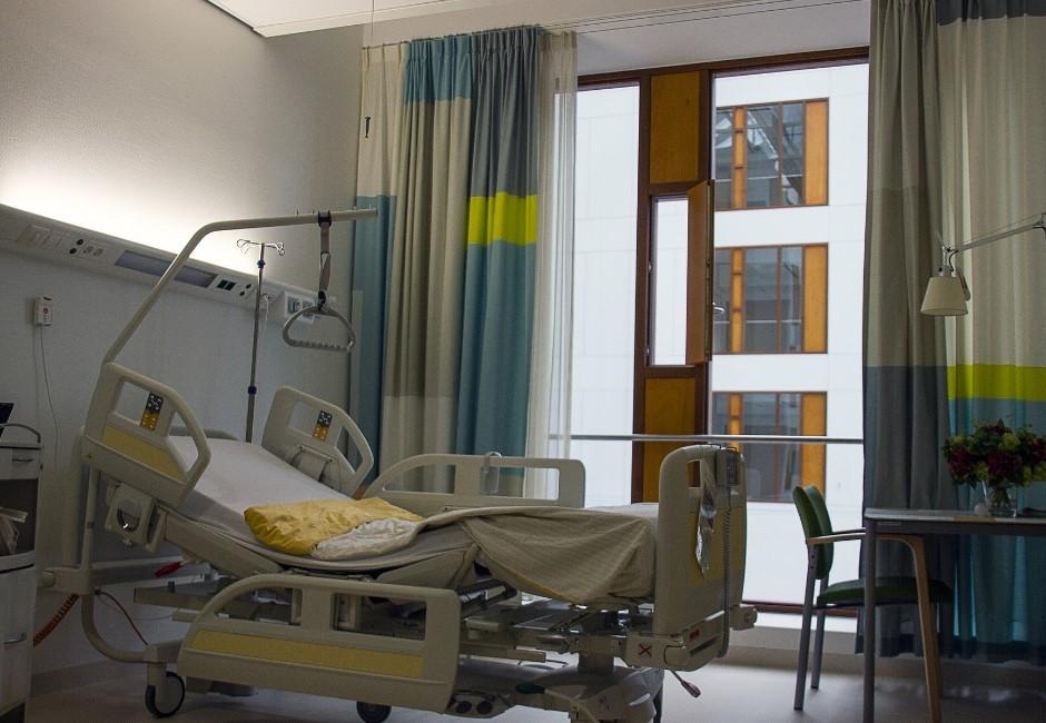 北部醫院爆院內感染手術全停擺!10多名醫護一採陰送檢疫所隔離