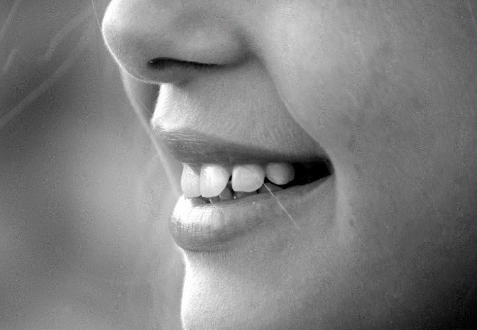 為什麼嘴角會常裂開?「口角炎」原因與改善方法一次看懂