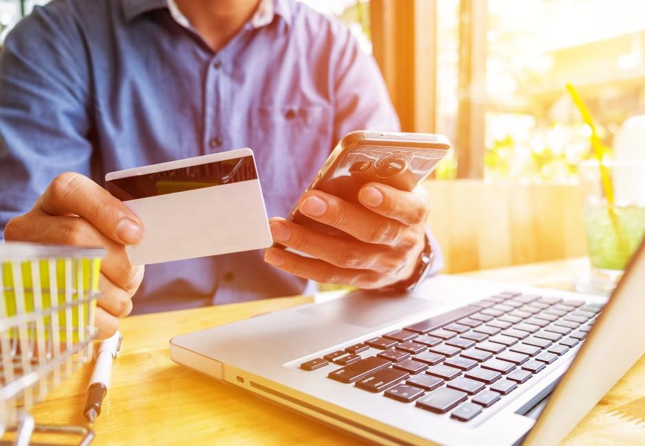 「神卡」持有年齡平均不到30歲!解密信用卡戰國時代辦卡主力的樣貌