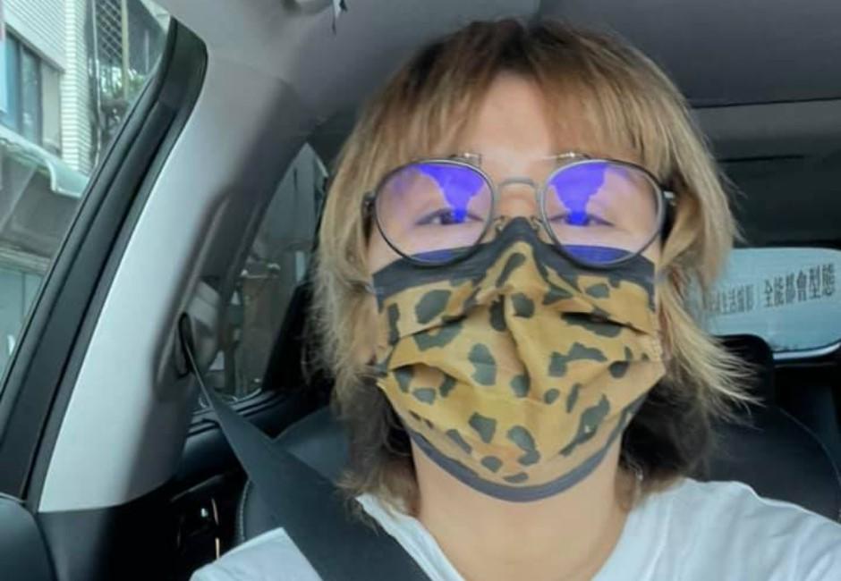 「開車到底要不要戴口罩?」指揮中心統一:2人以上同車要戴 勸導不聽最高可罰1.5萬
