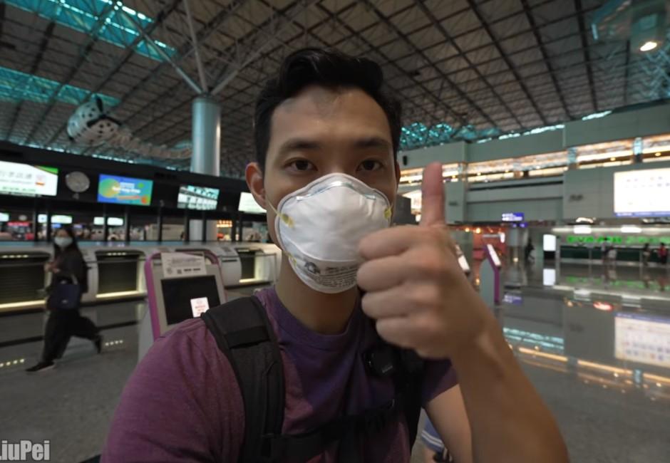 等不到疫苗!YouTuber劉沛帶妻回美國 淚離台灣「希望大家理解」