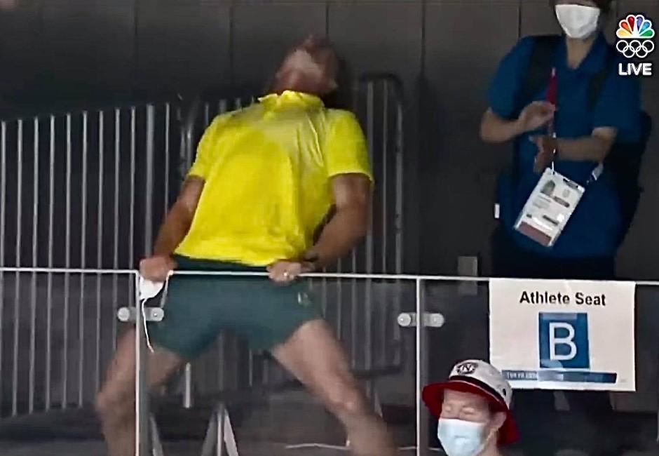 樂極生悲?子弟兵奪金太快樂!澳洲教練熱舞「甩口罩」挨轟道歉:我失去理智