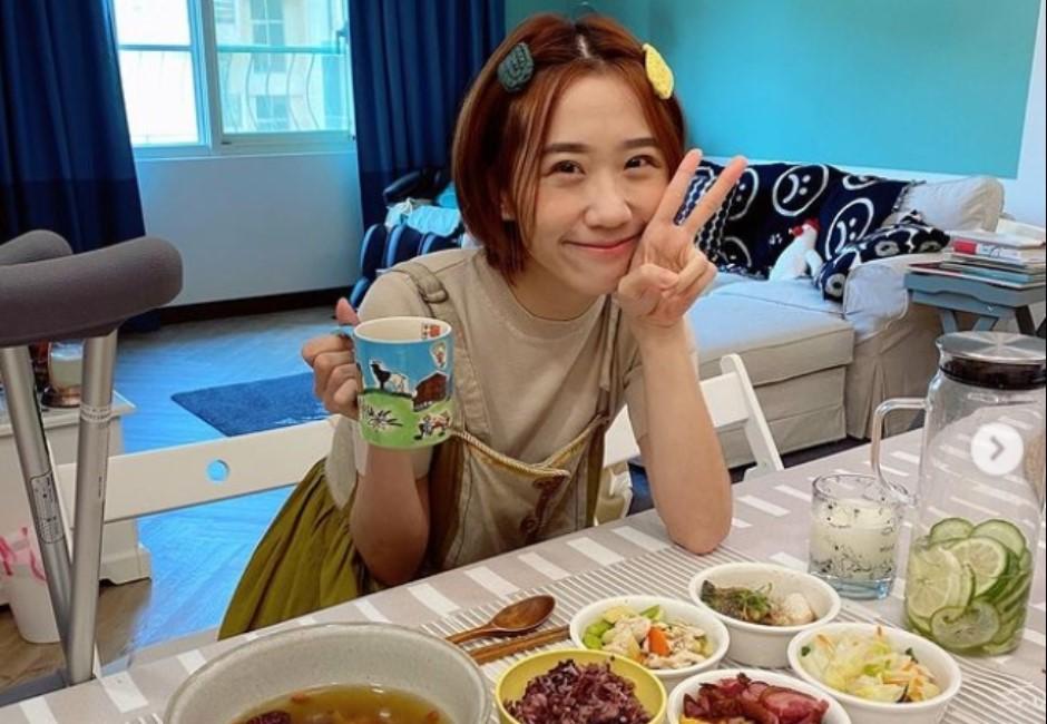 Lulu做菜被讚「可以嫁了」!本人千字長文抱不平:誰規定媳婦要煮飯