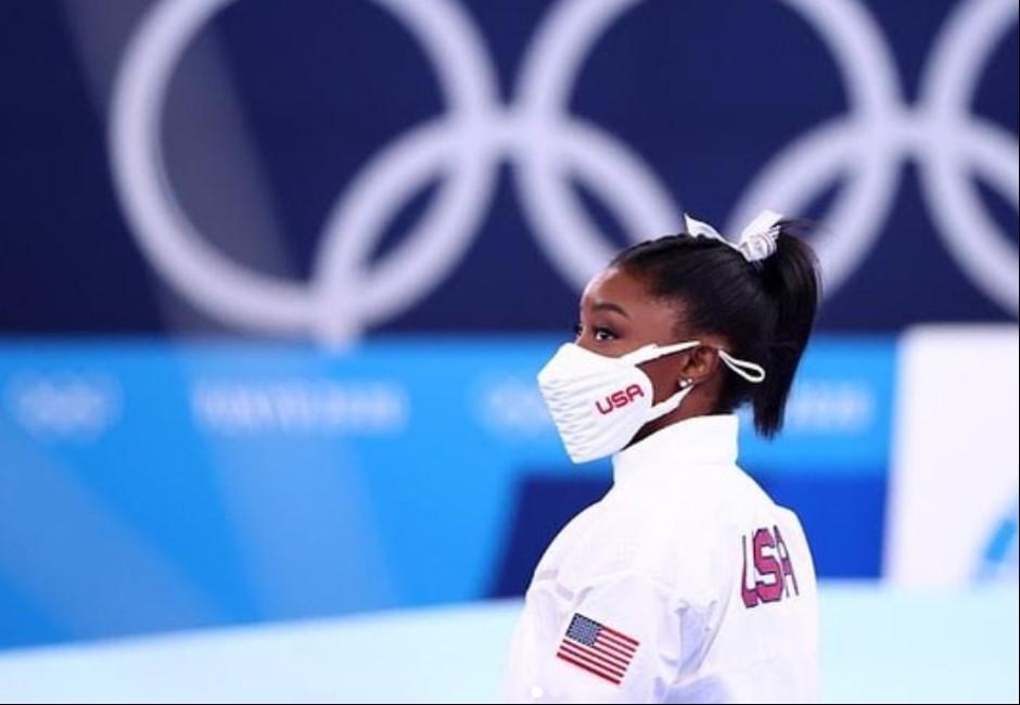 美國體操天后拜爾絲退賽掀論戰 網紅搬出喬丹嘲諷她「半途而廢」