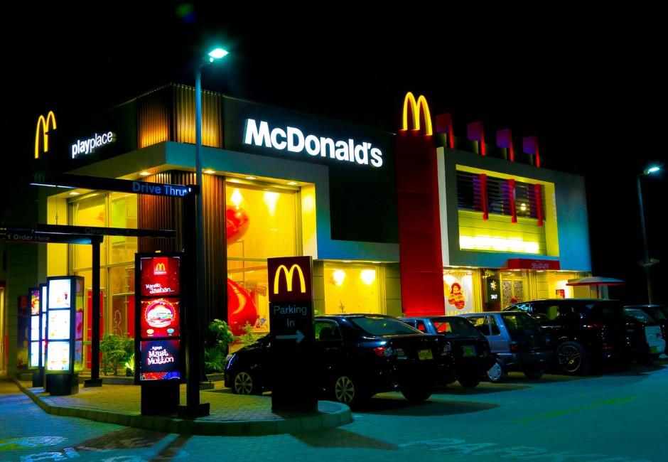 麥當勞、頂呱呱仍不開放內用!四大速食業者「降級內用規定」一次看