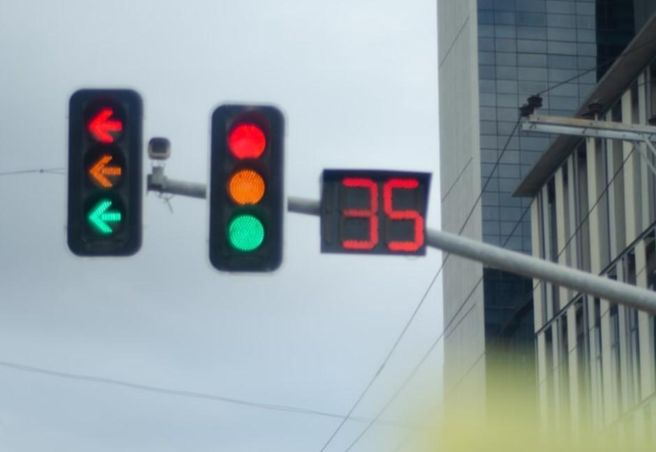 台灣紅綠燈為何有秒數?網友揭隱藏交通效益